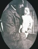 Z ojcem Jerzym Żuławskim, ok. 1908